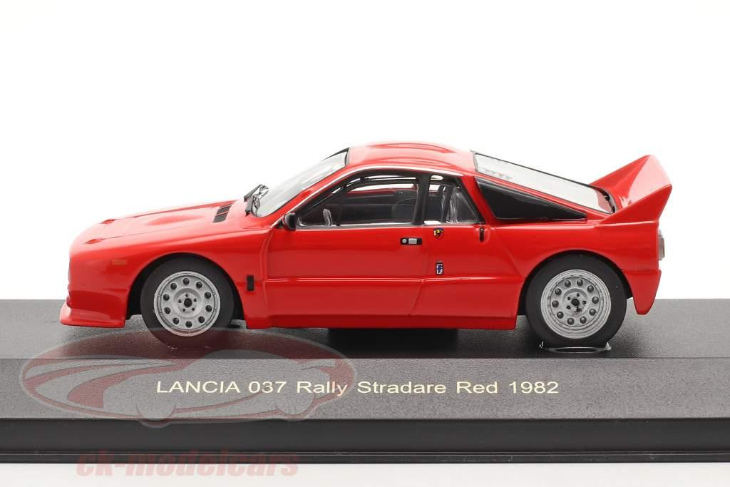Lancia 037 rally Stradare anno 1982 rosso 1:43 Ixo