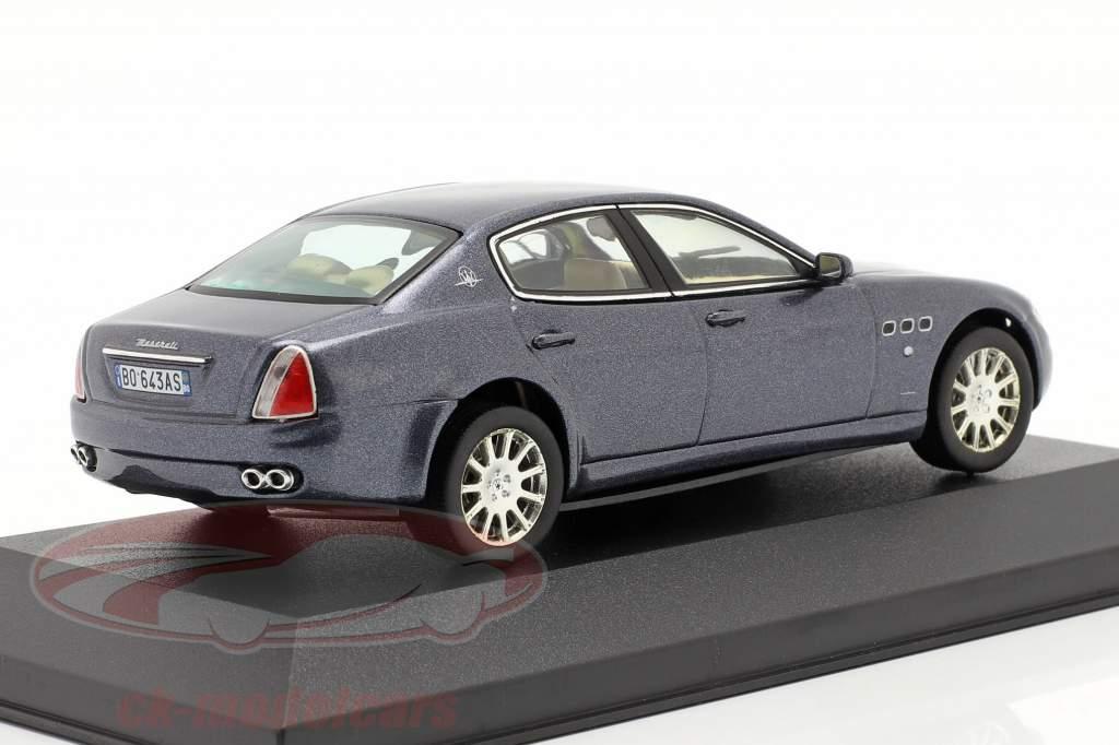 Maserati Quattroporte an 2004 foncé bleu métallique 1:43 Ixo