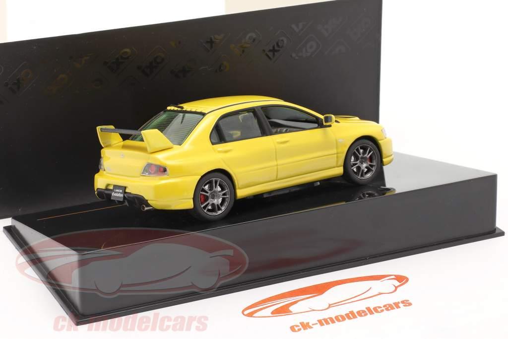 Mitsubishi Lancer Evo IX ano 2006 amarelo 1:43 Ixo