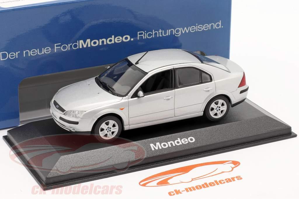 Ford Mondeo Sedan 2001 argento 1:43 Minichamps