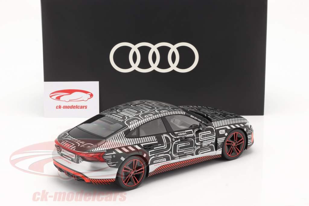 Audi RS e-tron GT prototype 2021 sort / rød / sølv 1:18 Norev