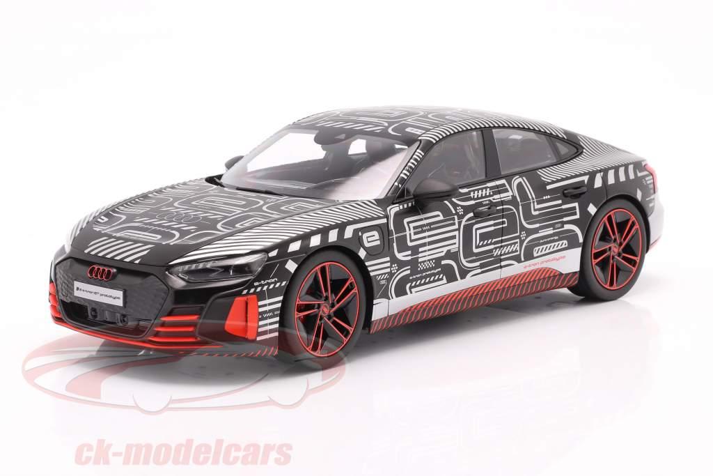 Audi RS e-tron GT protótipo 2021 Preto / vermelho / prata 1:18 Norev