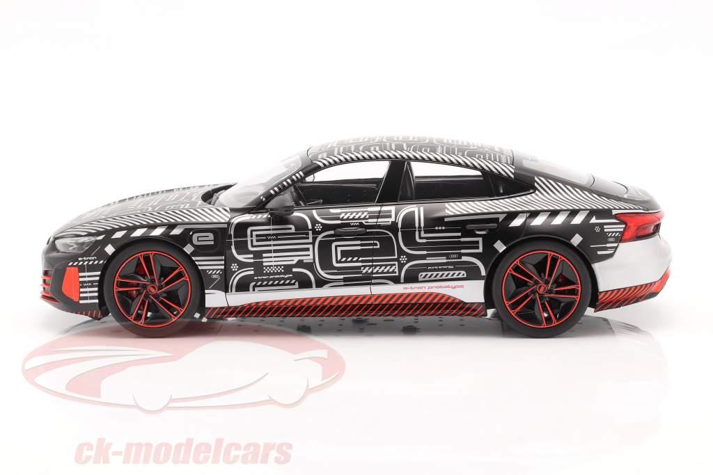 Audi RS e-tron GT prototype 2021 noir / rouge / argent 1:18 Norev