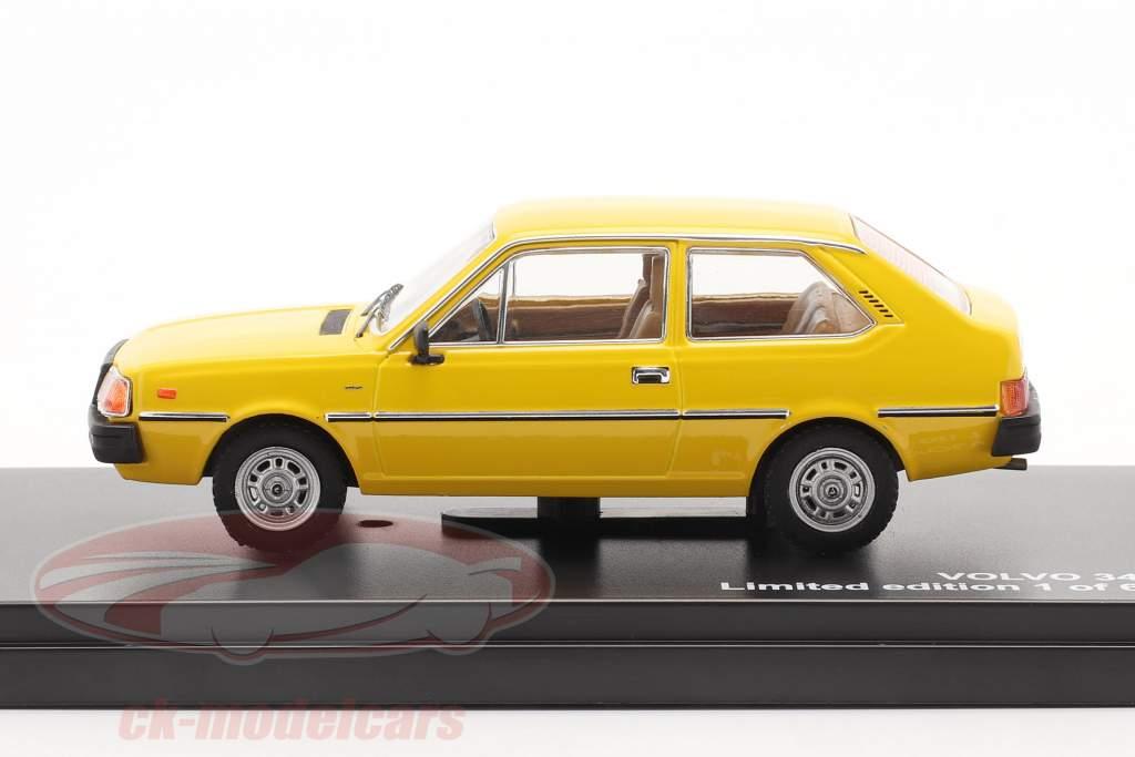 Volvo 343 Baujahr 1976 gelb 1:43 Triple9
