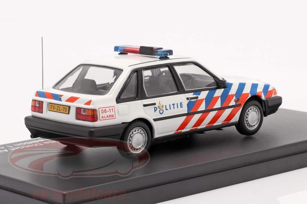 Volvo 440 Rijkspolitie Alkmaar år 1992 hvid 1:43 Triple9