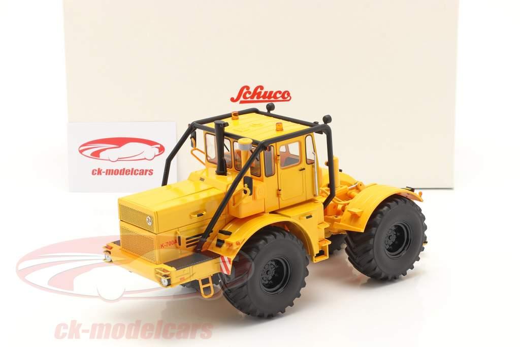 Kirovets K-700 A Traktor Baujahr 1962-75 gelb 1:32 Schuco