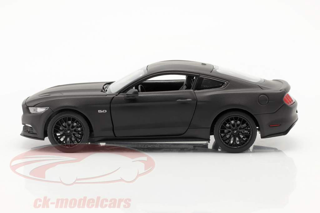 Ford Mustang GT an 2015 tapis noir 1:24 Welly