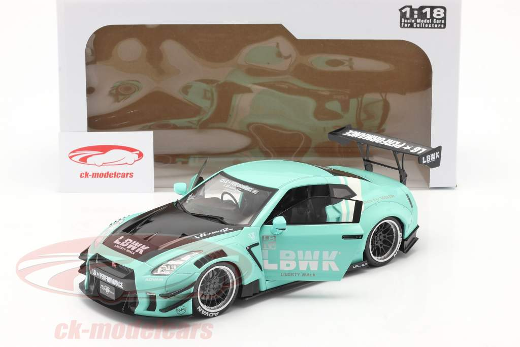 LB Works Nissan GT-R (R35) Type 2 mint green 1:18 Solido