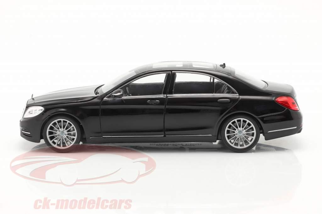 Mercedes-Benz S-Class (W222) año de construcción 2015 negro 1:24 Welly