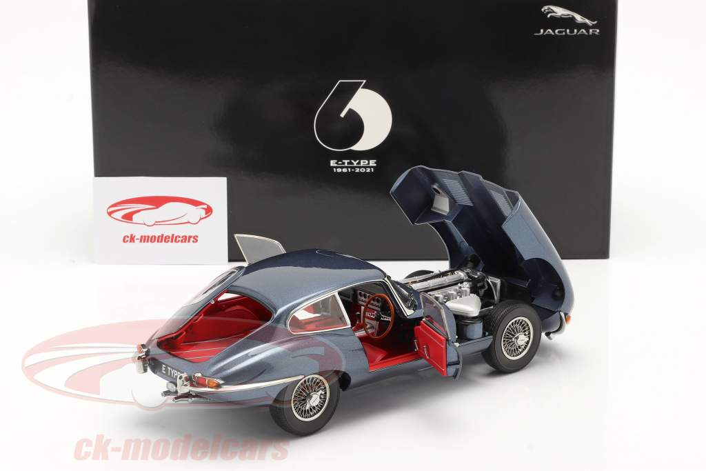 Jaguar E-Type Coupe RHD Bouwjaar 1961 donkerblauw metalen 1:18 Kyosho