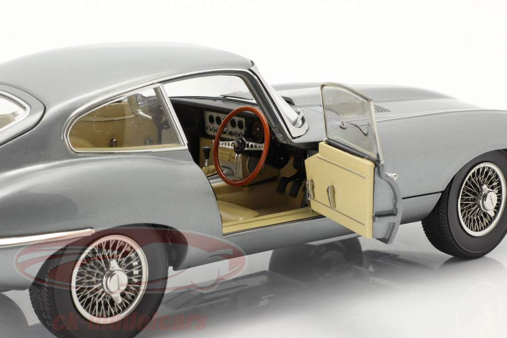 Jaguar E-Type Coupe RHD year 1961 dark grey metallic 1:18 Kyosho