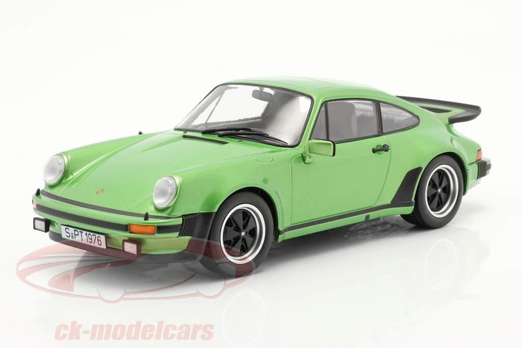Porsche 911 (930) Turbo 3.0 Baujahr 1976 grün metallic 1:18 KK-Scale