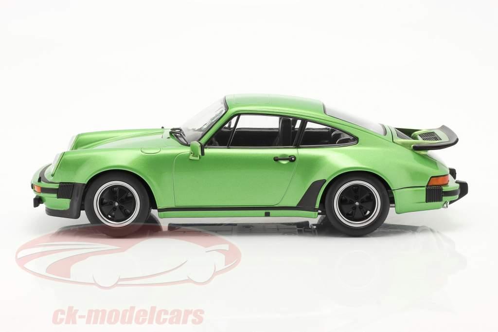 Porsche 911 (930) Turbo 3.0 Anno di costruzione 1976 verde metallico 1:18 KK-Scale