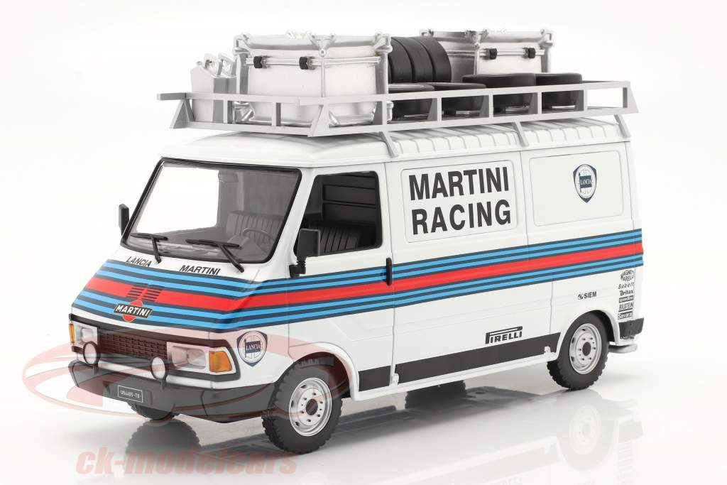 Fiat 242 Ван Rallye Assistance Martini Racing 1:18 Ixo