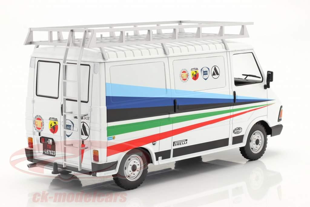 Fiat 242 furgão Rallye Technic Assistance Fiat Abarth 1980 1:18 Ixo