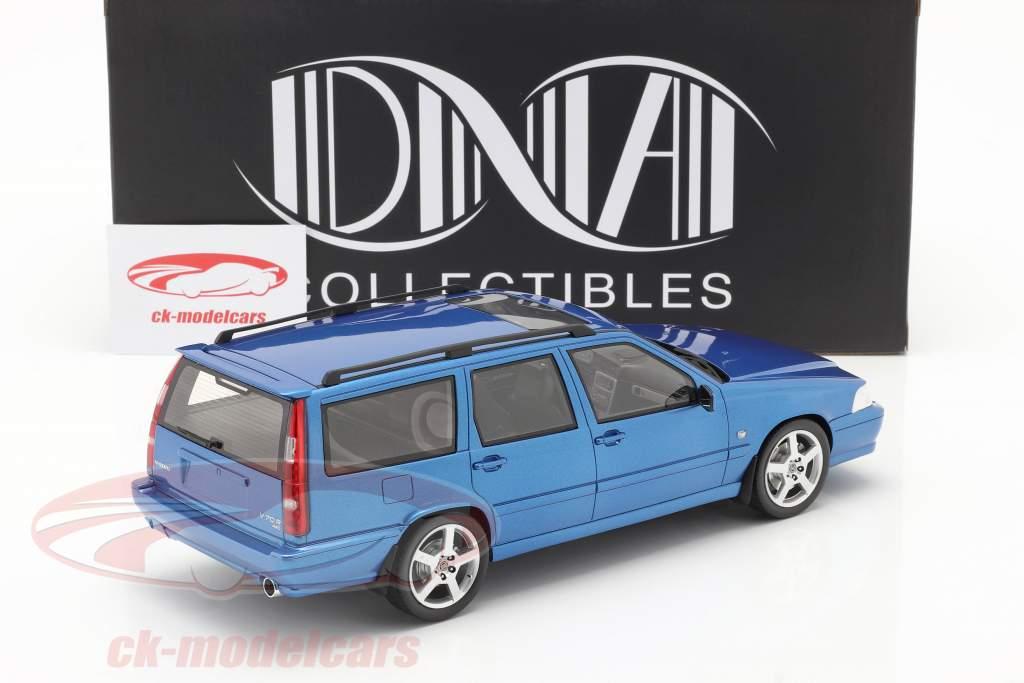 Volvo V70 R (Generazione 1) Anno di costruzione 1999 blu 1:18 DNA Collectibles