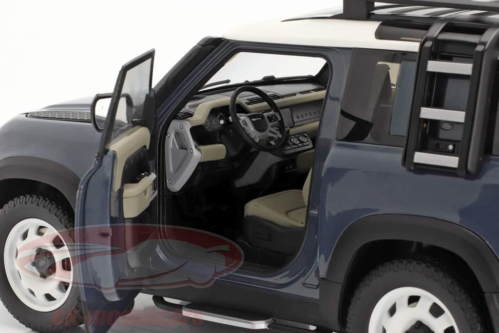 Land Rover Defender 90 bouwjaar 2020 tasman blauw 1:18 Almost Real