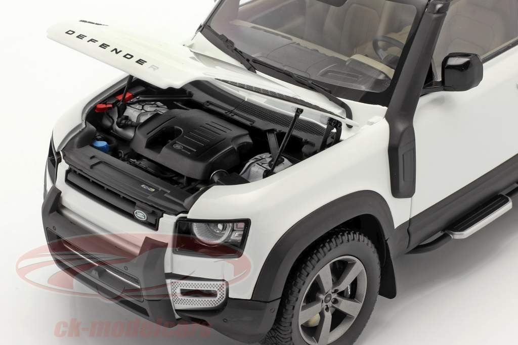 Land Rover Defender 90 year 2020 fuji white 1:18 Almost Real