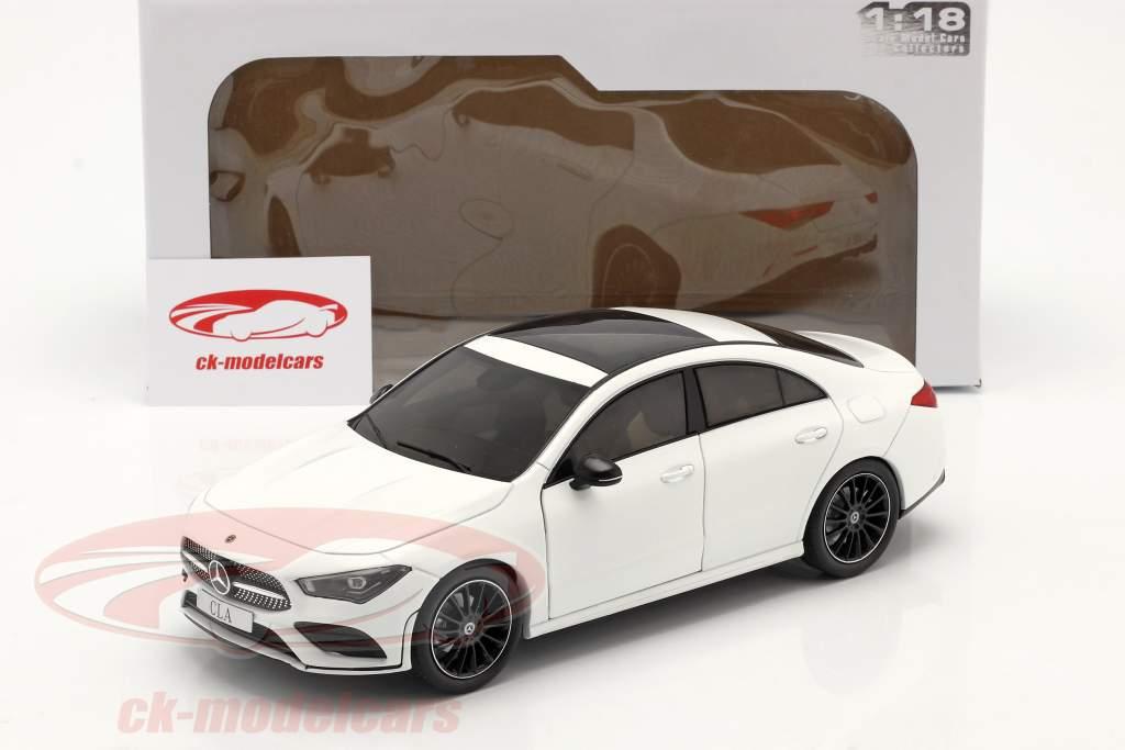 Mercedes-Benz CLA Coupe (C118) bouwjaar 2019 Wit 1:18 Solido