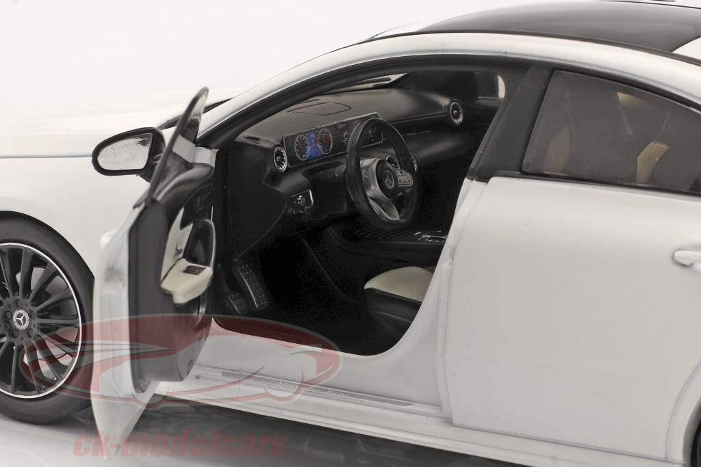 Mercedes-Benz CLA Coupe (C118) Byggeår 2019 hvid 1:18 Solido