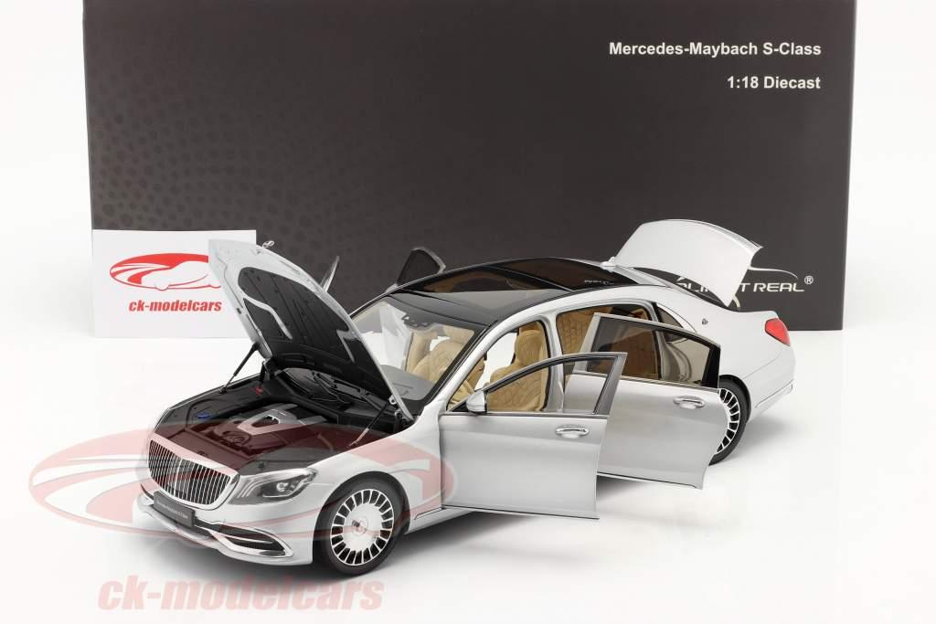 Mercedes-Benz Maybach Classe S Ano de construção 2019 prata de irídio 1:18 Almost Real