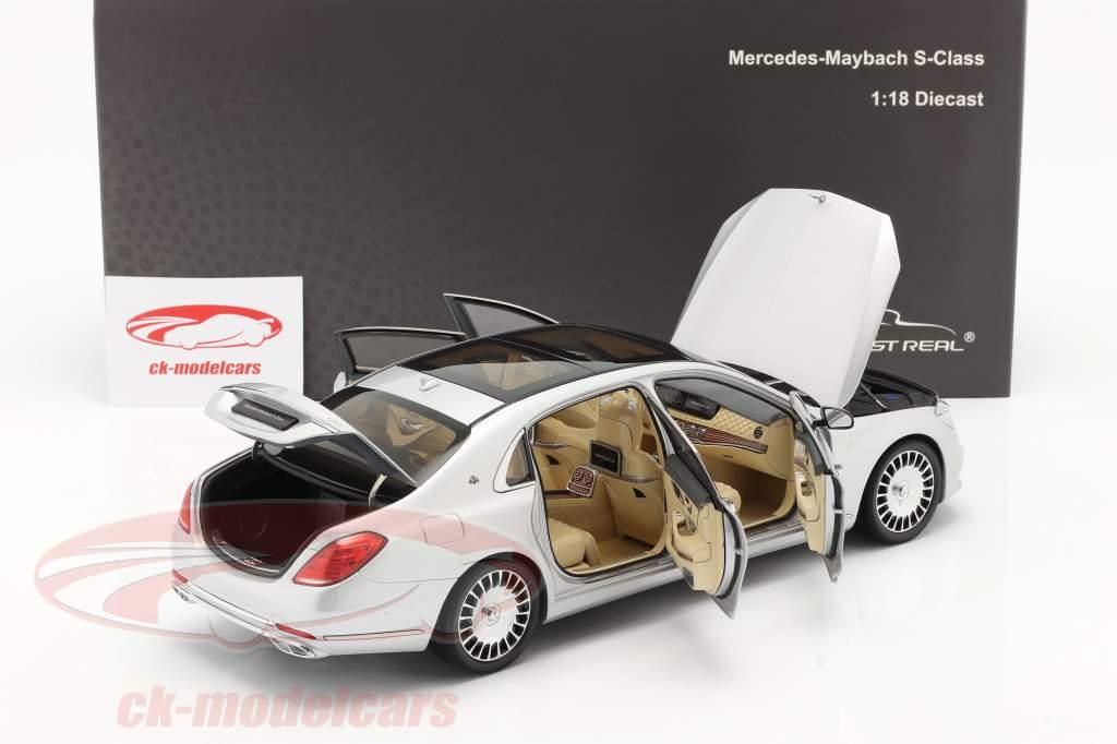 Mercedes-Benz Maybach S-Klasse Baujahr 2019 iridiumsilber 1:18 Almost Real