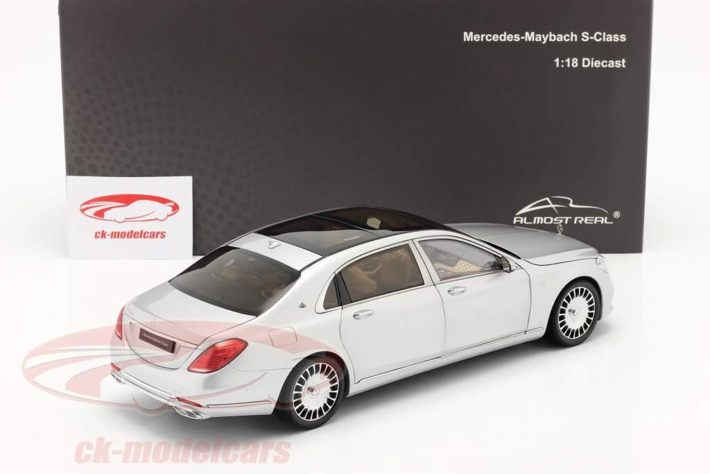 Mercedes-Benz Maybach S-klasse Byggeår 2019 iridium sølv 1:18 Almost Real