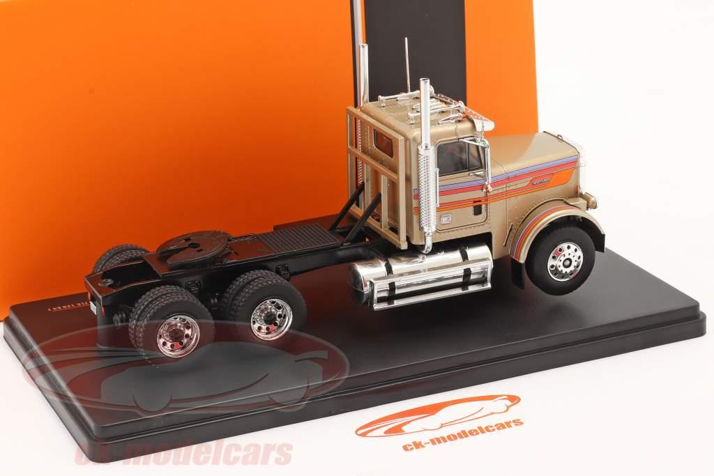 Freightliner FLC 120 64 T Vrachtauto 1977 goud-beige metalen 1:43 Ixo