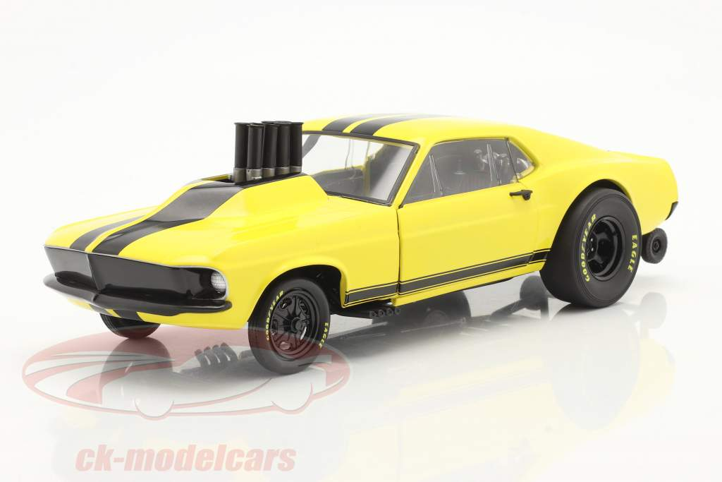 Ford Mustang Gasser Stinger 1969 amarillo / negro 1:18 GMP