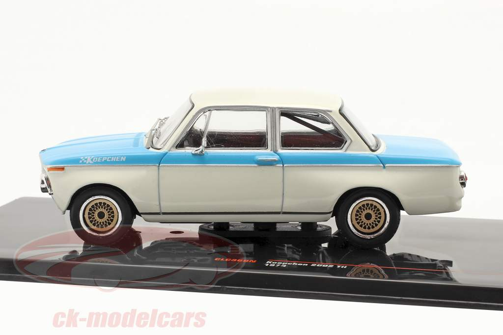 BMW Koepchen 2002 Tii Año de construcción 1974 blanco / azul 1:43 Ixo