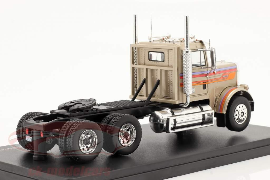 Freightliner FLC 120 64 T Camion 1977 or-beige métallique 1:43 Ixo