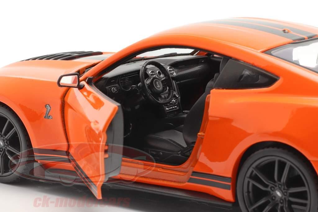 Ford Mustang Shelby GT 500 Byggeår 2020 orange / sort 1:24 Maisto