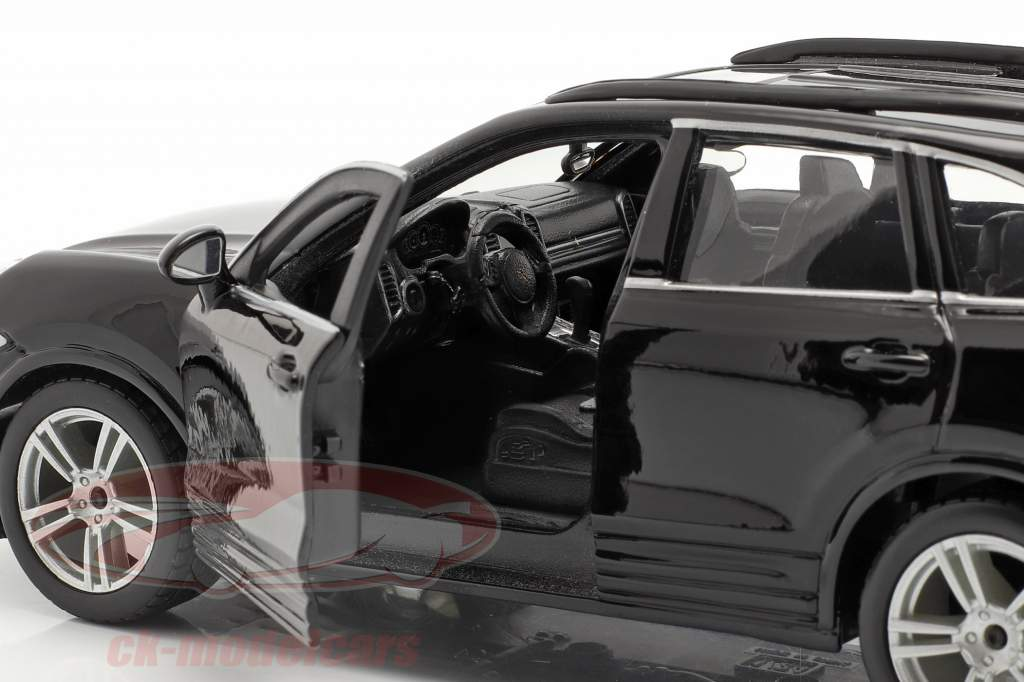 Porsche Cayenne Turbo sort 1:24 Bburago