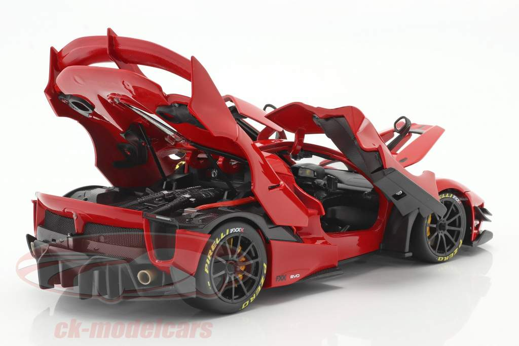Ferrari FXX-K Evo Hybrid 6.3 V12 Год постройки 2018 красный 1:18 Bburago