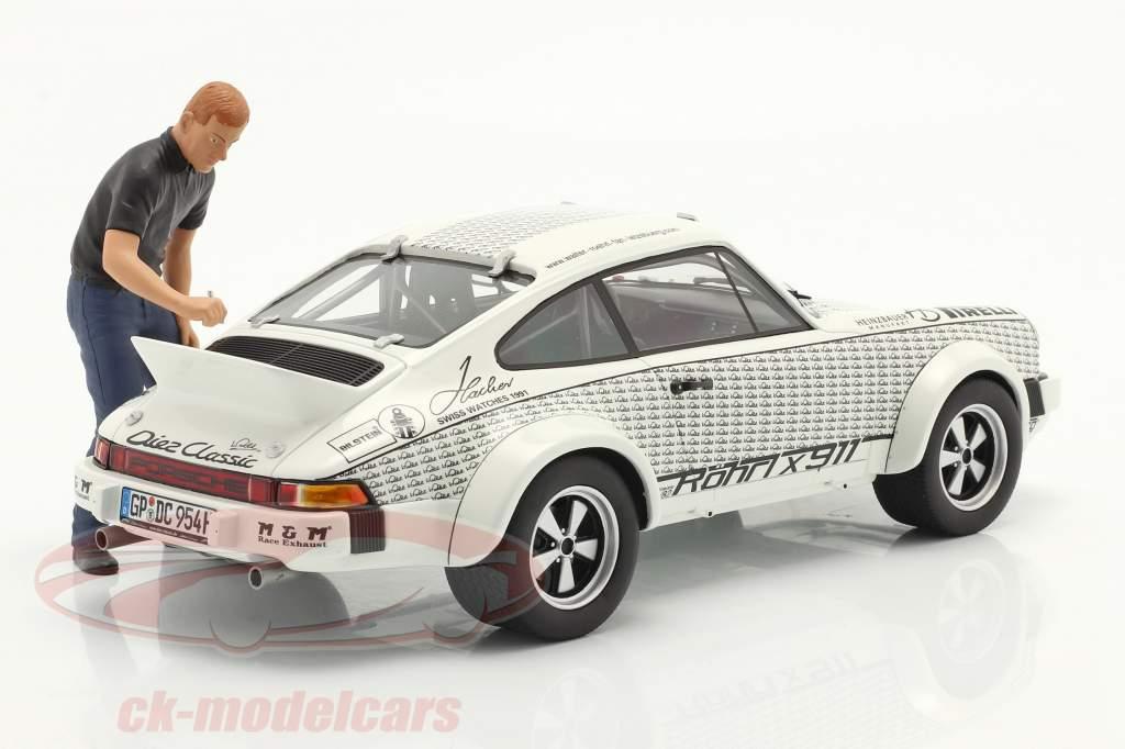 Porsche 911 Walter Röhrl x911 と 図 白い / 黒 1:18 シューコ
