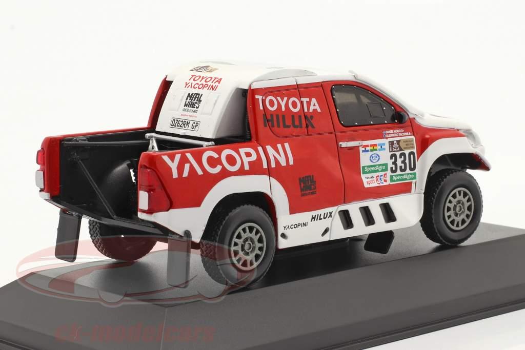 Toyota Hilux #330 Rallye Dakar 2017 Yacopini, Merlo 1:43 Premium Collectibles