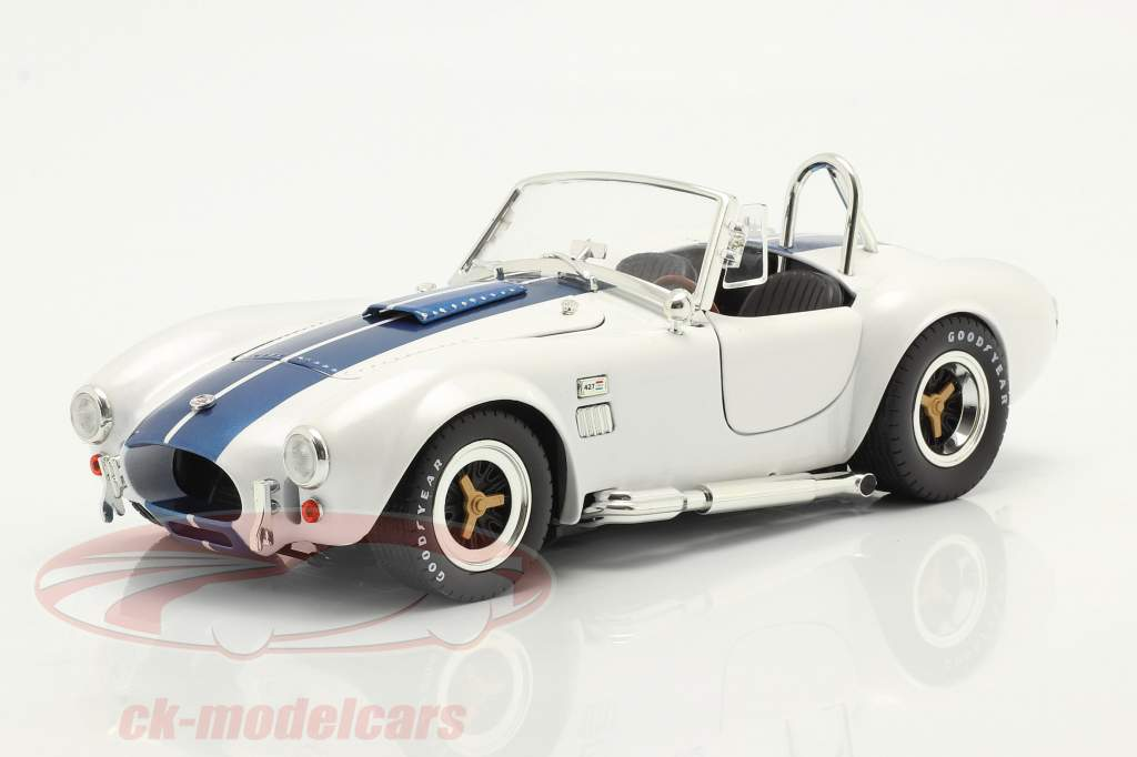 Shelby Cobra 427 S/C Anno di costruzione 1965 bianca / blu 1:18 ShelbyCollectibles