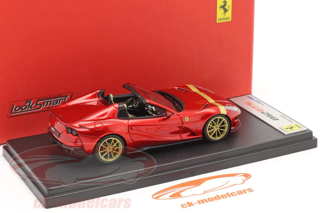 Ferrari 812 GTS Spider Año de construcción 2019 fuego rojo / oro 1:43 LookSmart