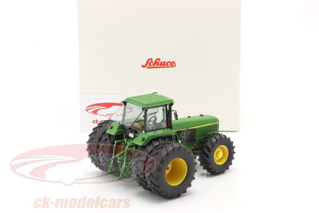 John Deere 4755 Traktor mit Doppelbereifung 1989-1991 grün 1:32 Schuco