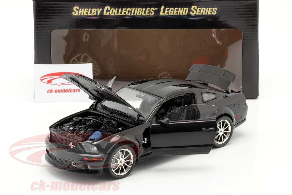 Shelby GT 500KR jaar 2008 zwart 1:18 Shelby Collectibles
