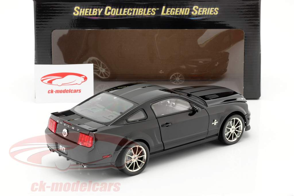 Shelby GT 500KR année 2008 noir 1:18 Shelby Collectibles
