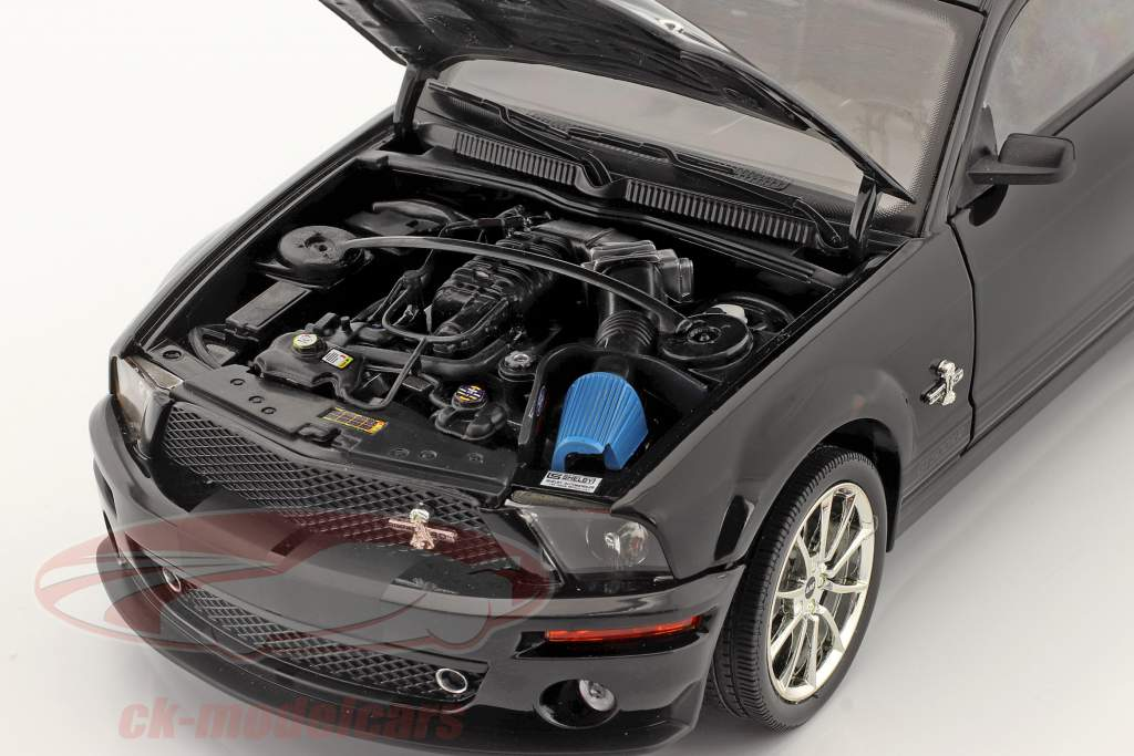 Shelby GT 500KR ano 2008 preto 1:18 Shelby Collectibles