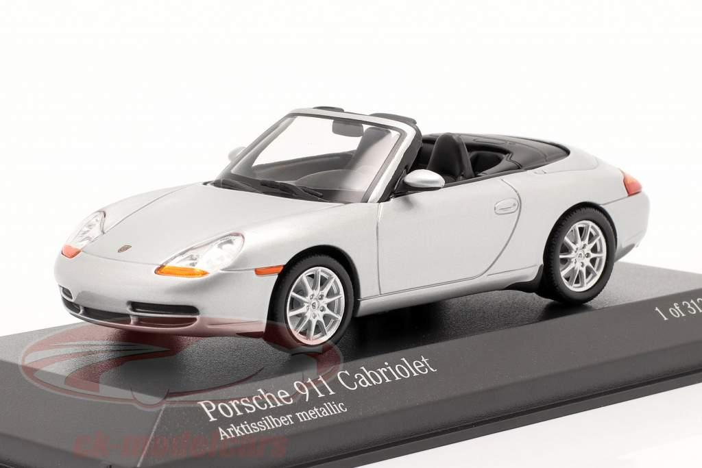 Porsche 911 (996) Cabriolet Baujahr 1998 silber 1:43 Minichamps