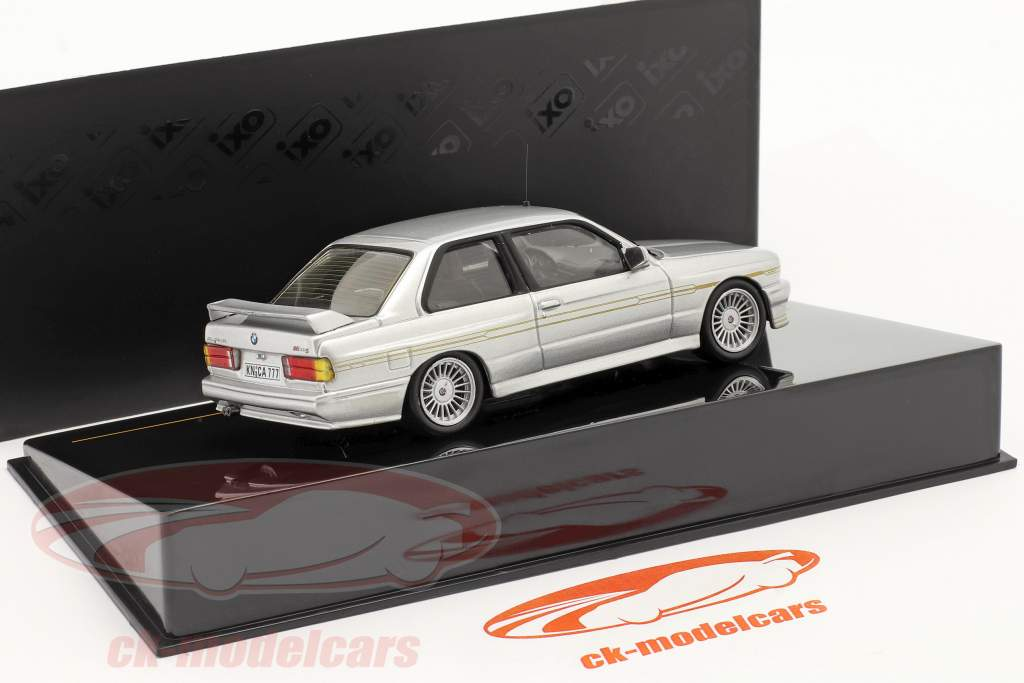 BMW Alpina B6 3.5S Ano 1989 prata metálico / prata metálica 1:43 Ixo