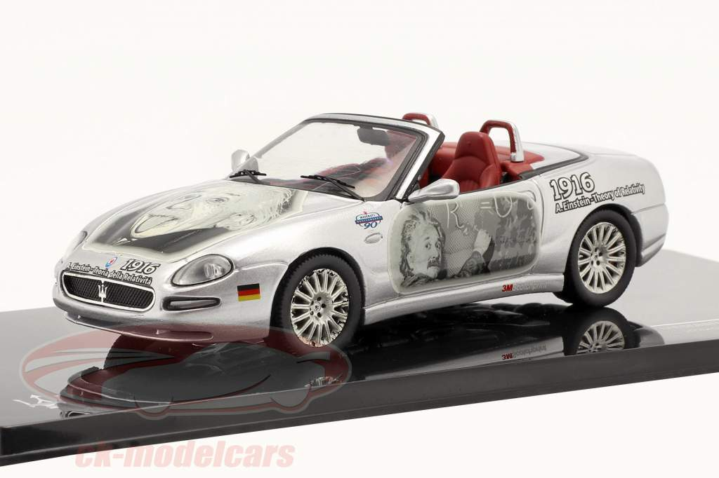 Maserati Spyder Cambiocorsa de construção 2002 prata Albert Einstein 1:43 Ixo