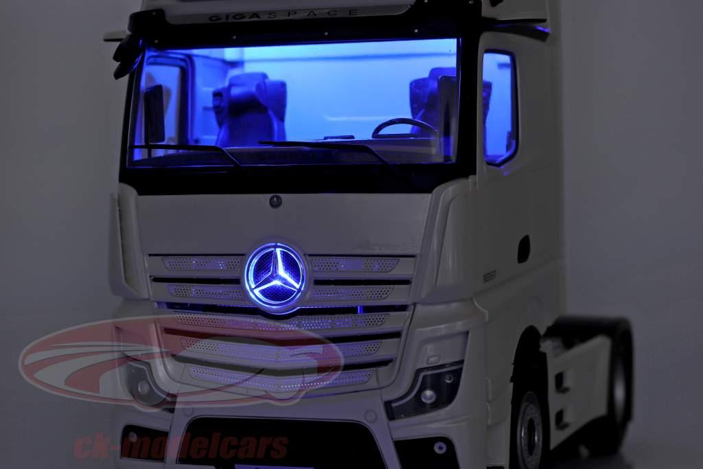 Mercedes-Benz Actros Gigaspace 4x2 Lastbil Facelift 2018 hvid 1:18 NZG