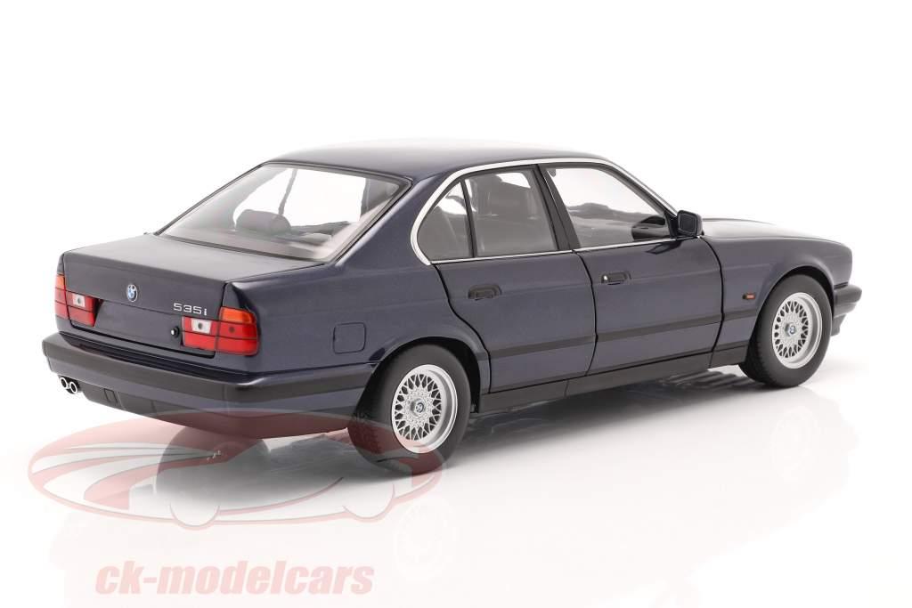 BMW 535i (E34) Année de construction 1988 bleu métallique 1:18 Minichamps
