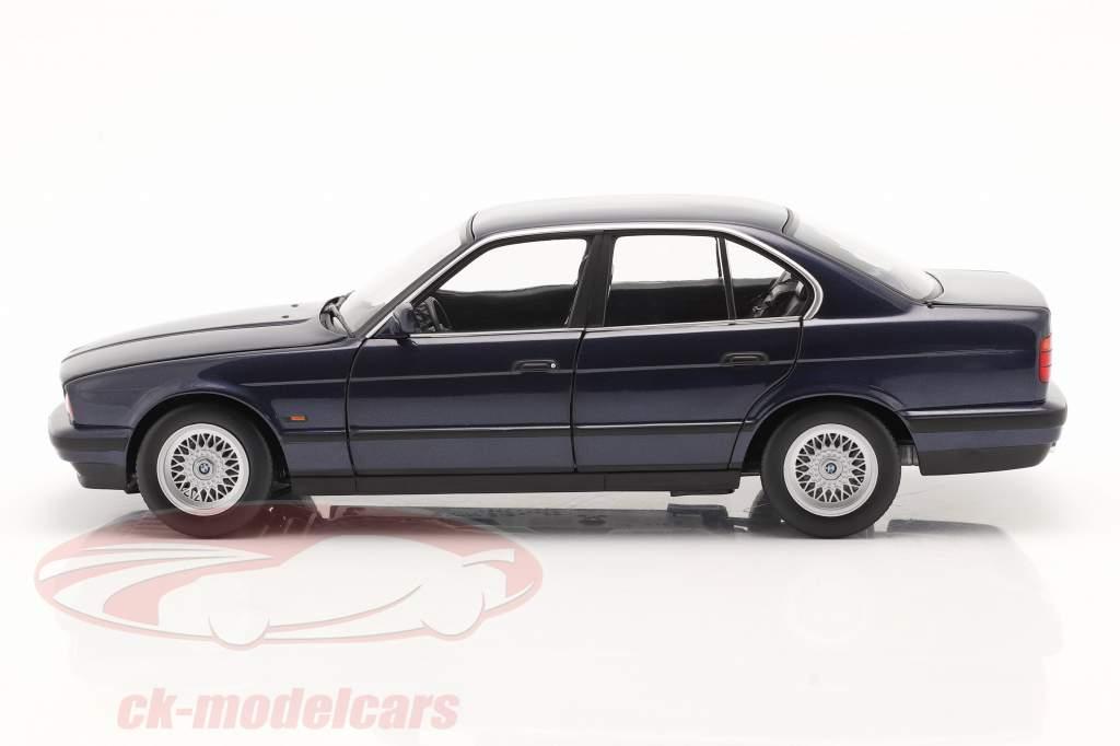 BMW 535i (E34) Año de construcción 1988 azul metálico 1:18 Minichamps