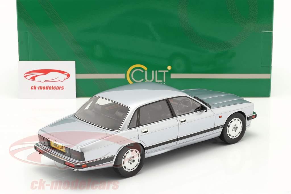 Jaguar XJR XJ40 Byggeår 1990 frostsølv 1:18 Cult Scale