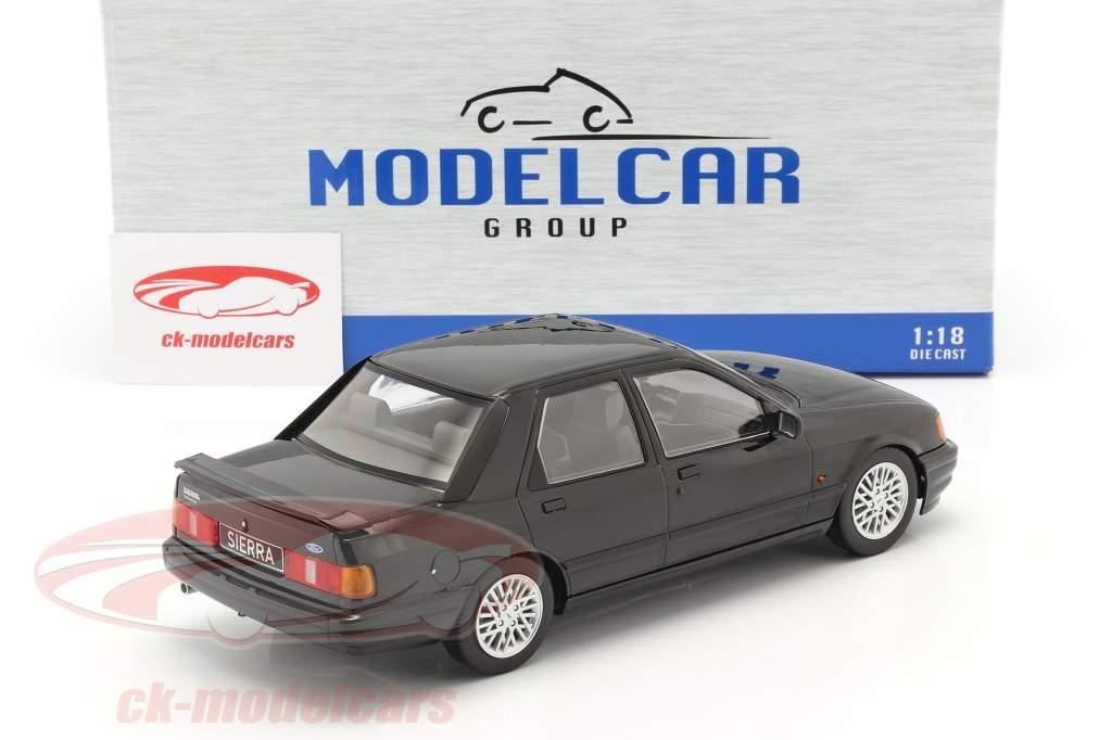 Ford Sierra Cosworth bouwjaar 1988 zwart 1:18 Model Car Group